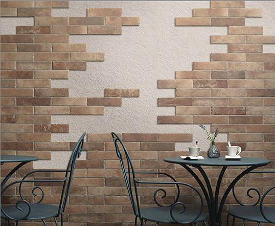 Muurstenen voor binnenhuisarchitectuur tegel onder de oude baksteen