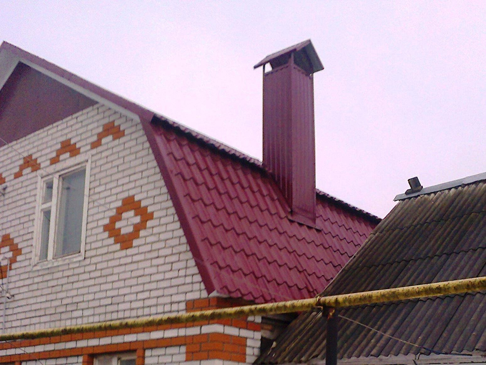 печная труба на крыше из металлопрофиля